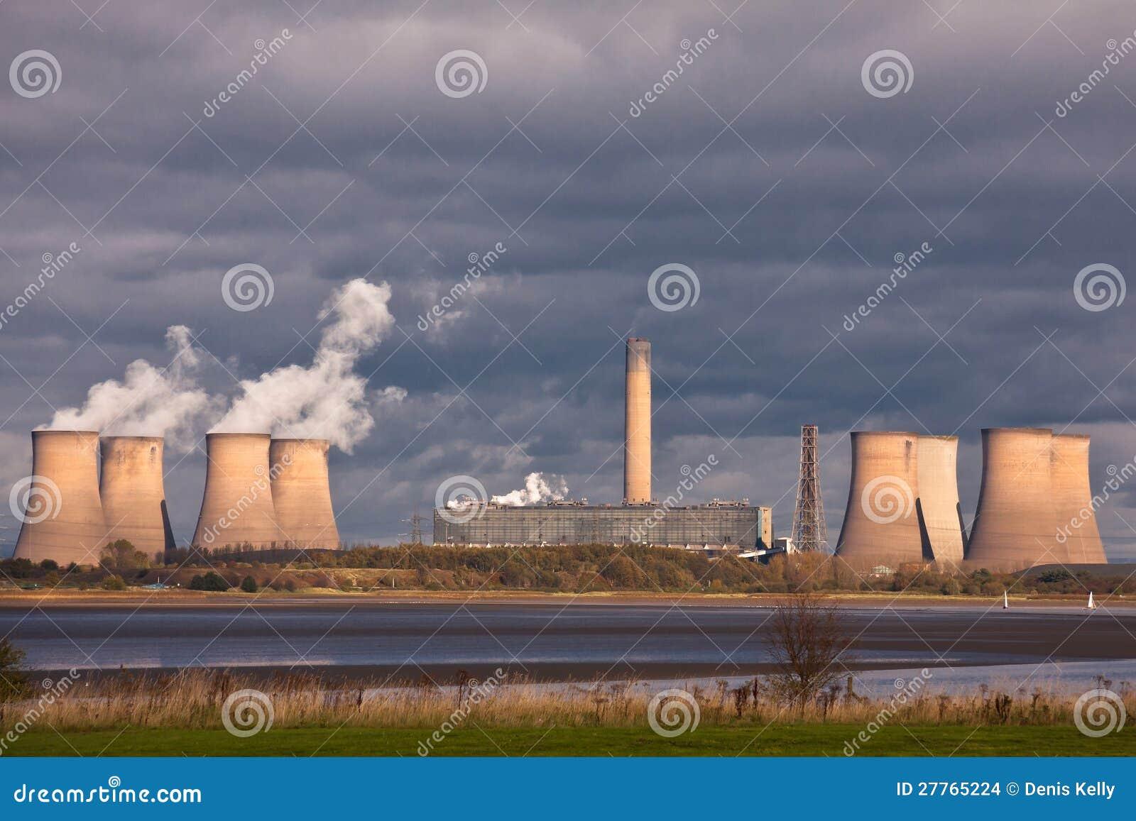 Tours de refroidissement de centrale électrique