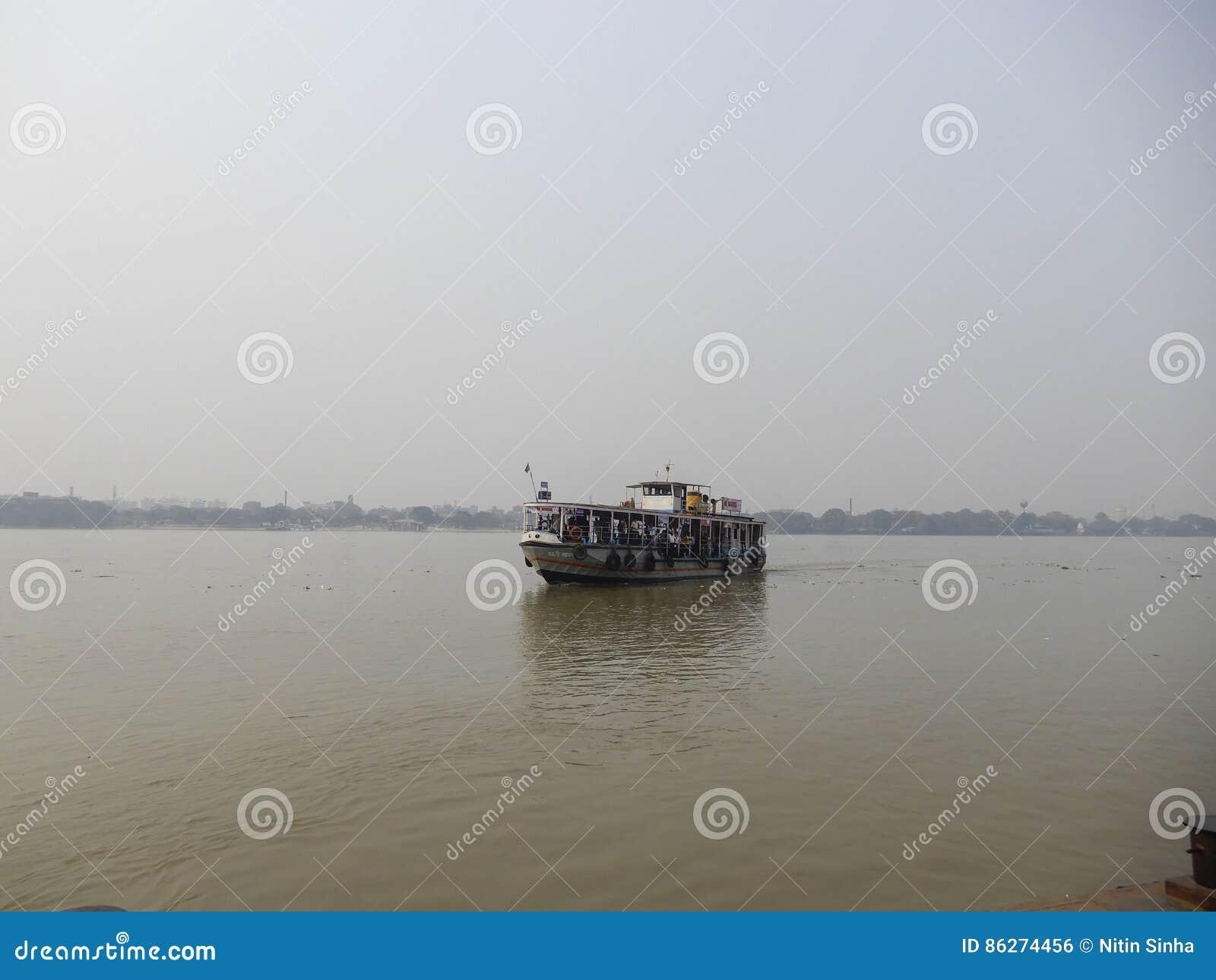 Tours de vue et de ferry de rivière