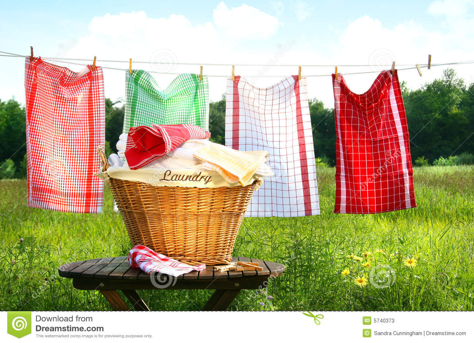 Tovaglioli che si asciugano sul clothesline