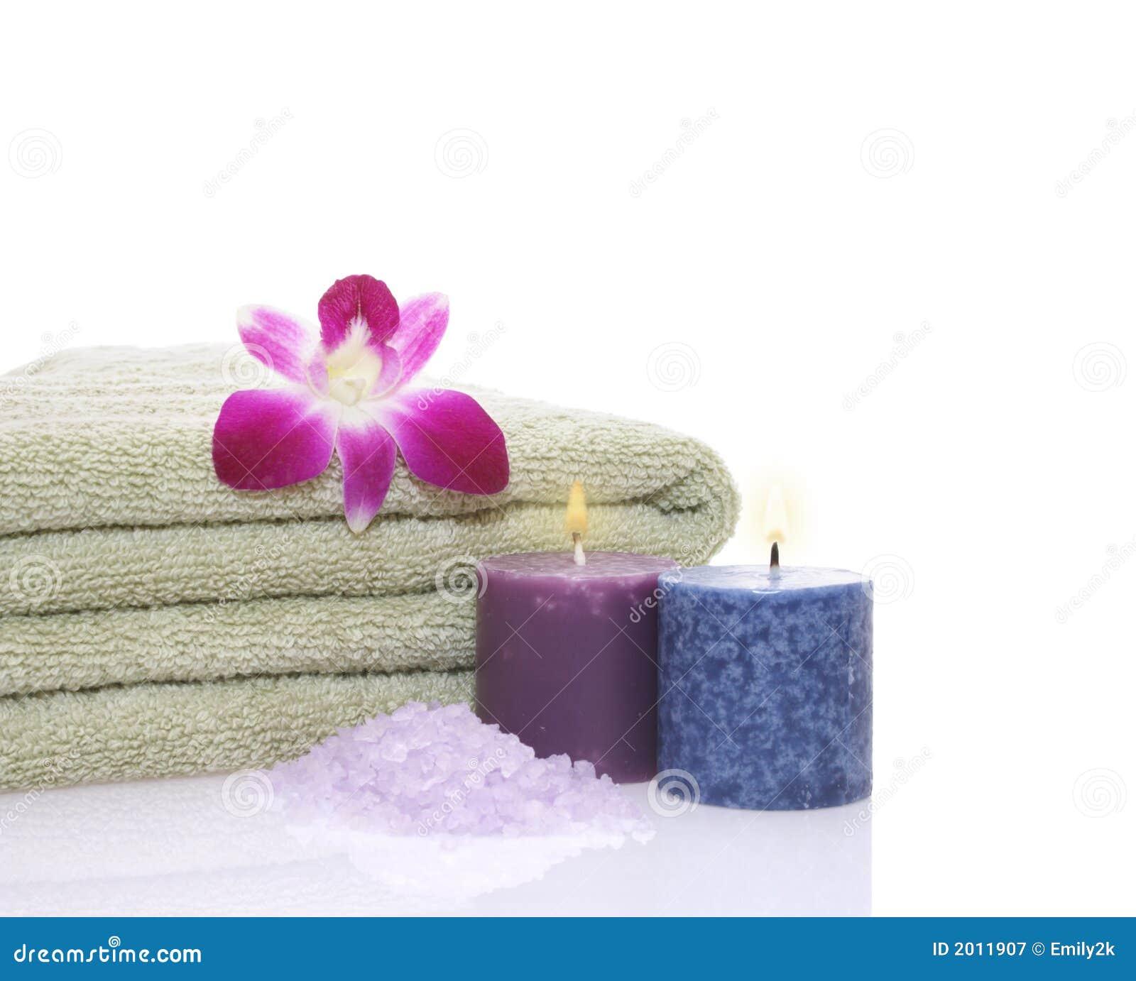 Tovagliolo candele orchidea e sale di bagno verdi - Candele da bagno ...