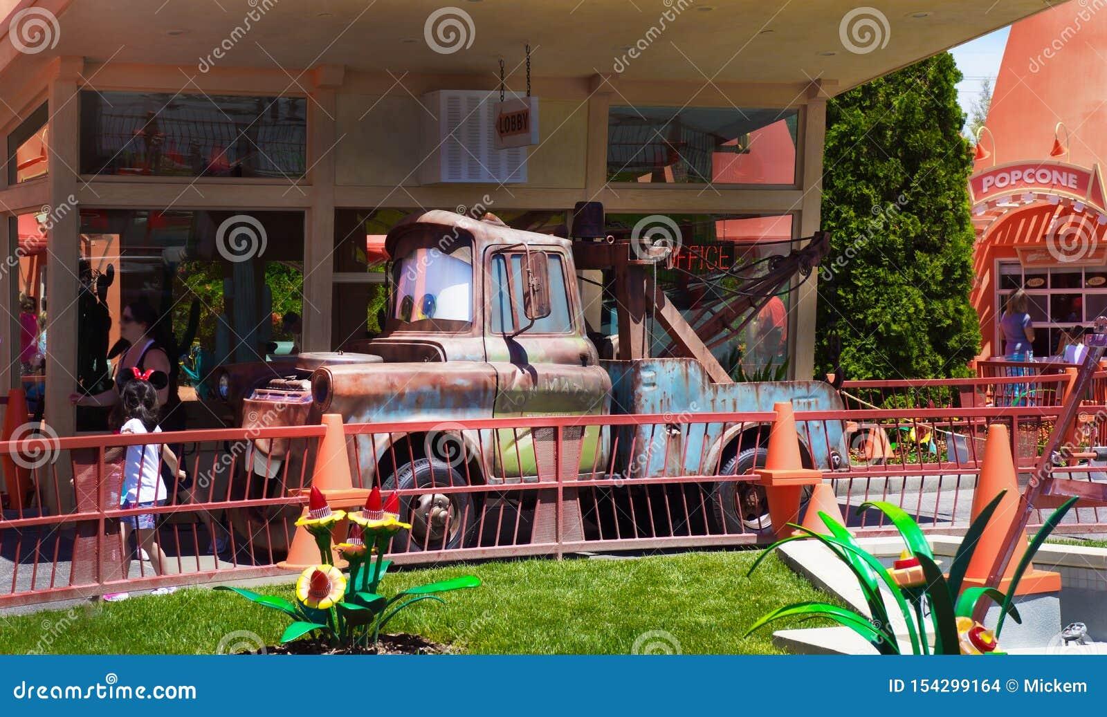 Tow Mater Radiator Springs Disney California Adventure Editorial Stock Image Image Of Childhood Culture 154299164