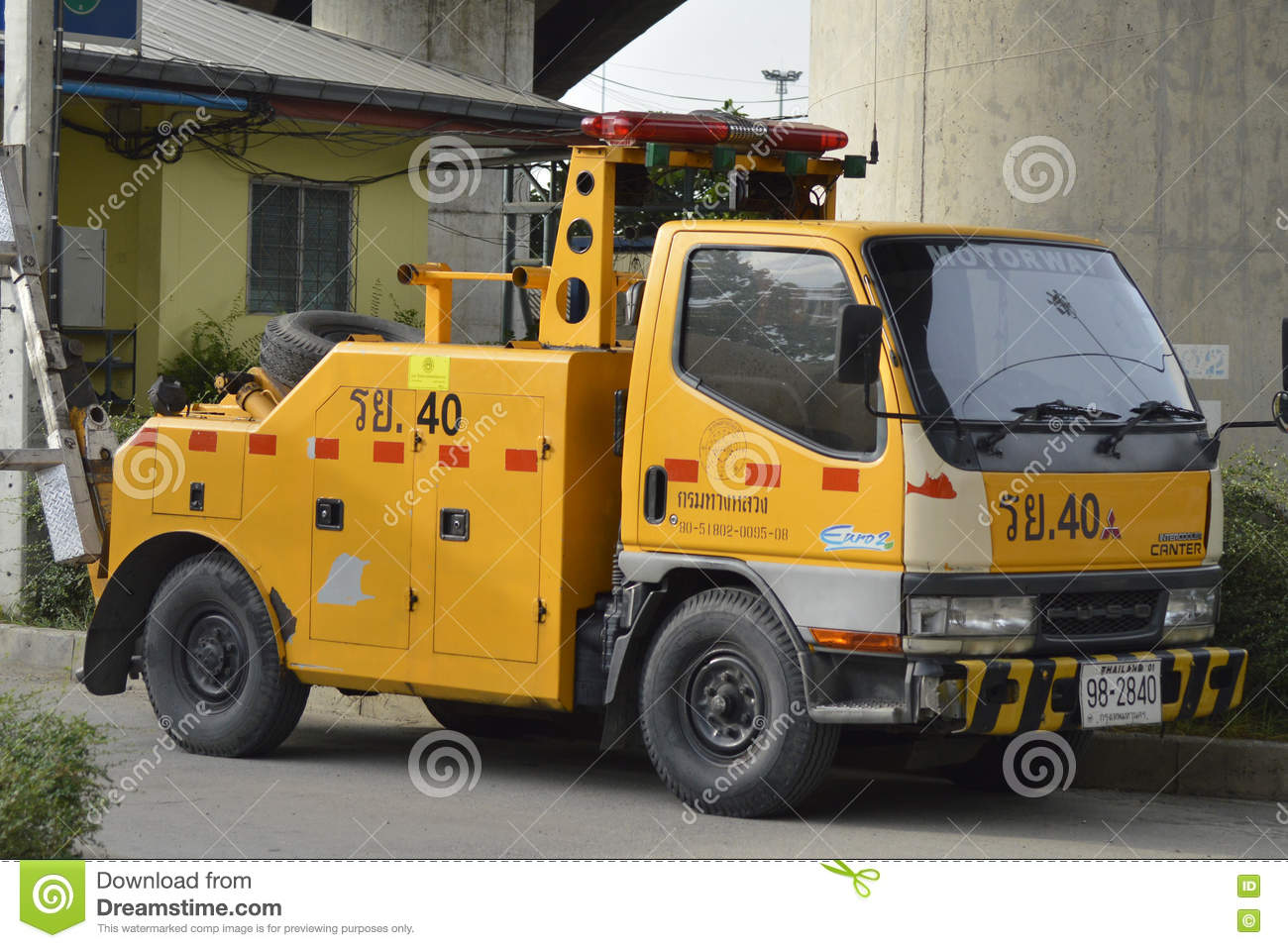 Download Tow truck editorial photography. Image of road, cement - 72612647