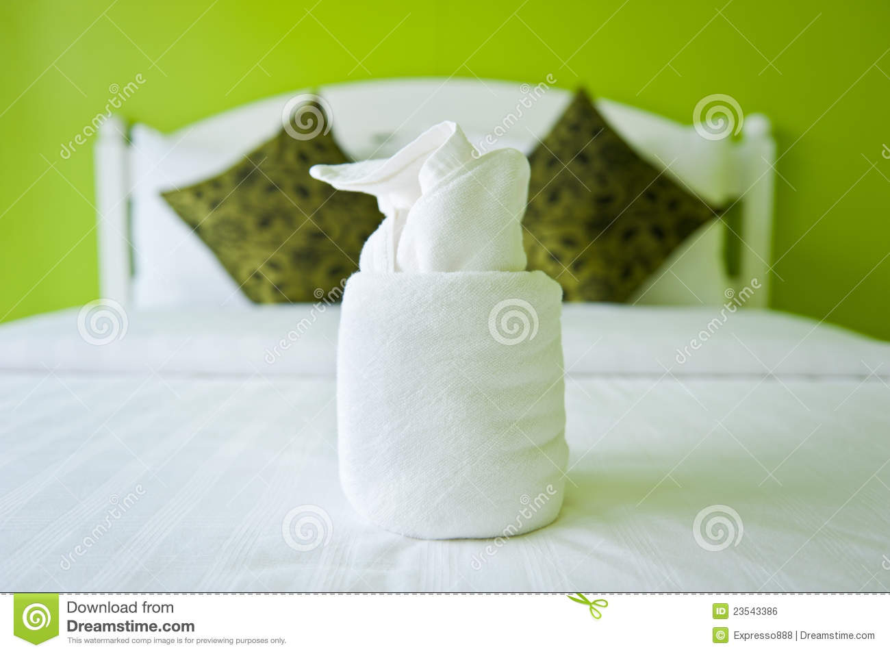 Towel in the green bedroom royalty free stock image for Designhotel maastricht comfort xl
