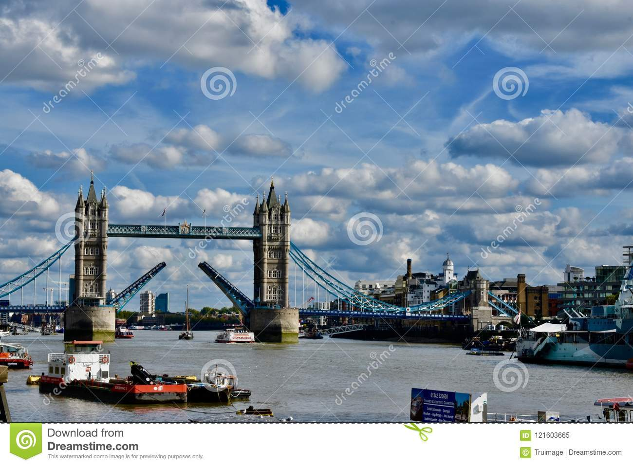 The river Thames and London Bridge