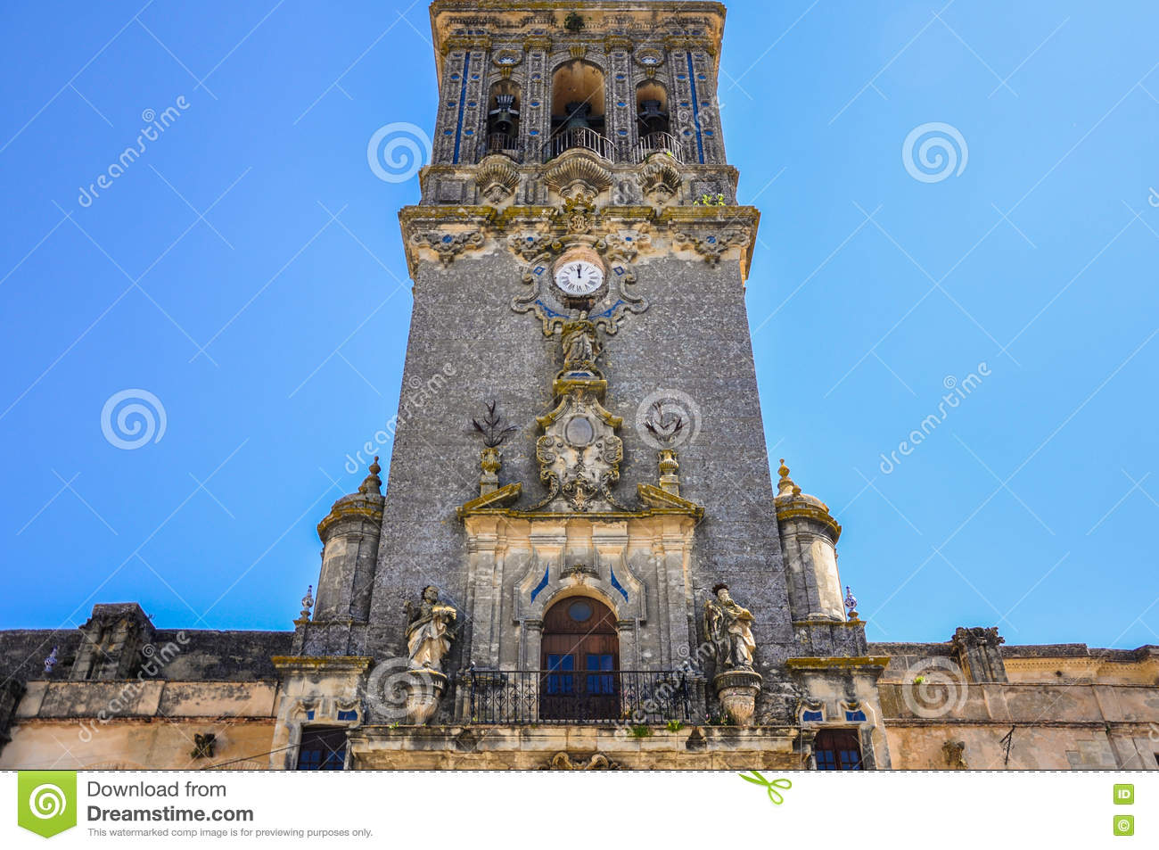 3daee3783 Front view of the Tower of St. Mary of the Assumption in Arcos de la  Frontera