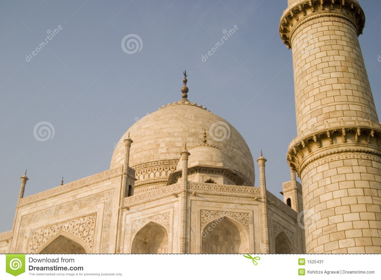 Tower of the taj mahal agra india stock image image for Taj mahal exterior design
