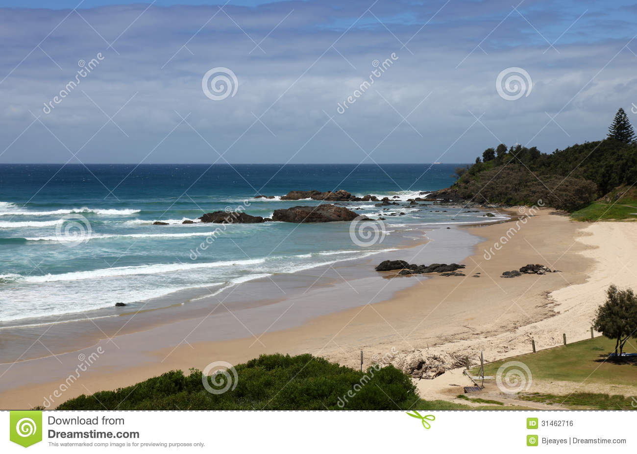 Port Macquarie Australia  City new picture : Port Macquaries town beach is located right in the city centre of Port ...