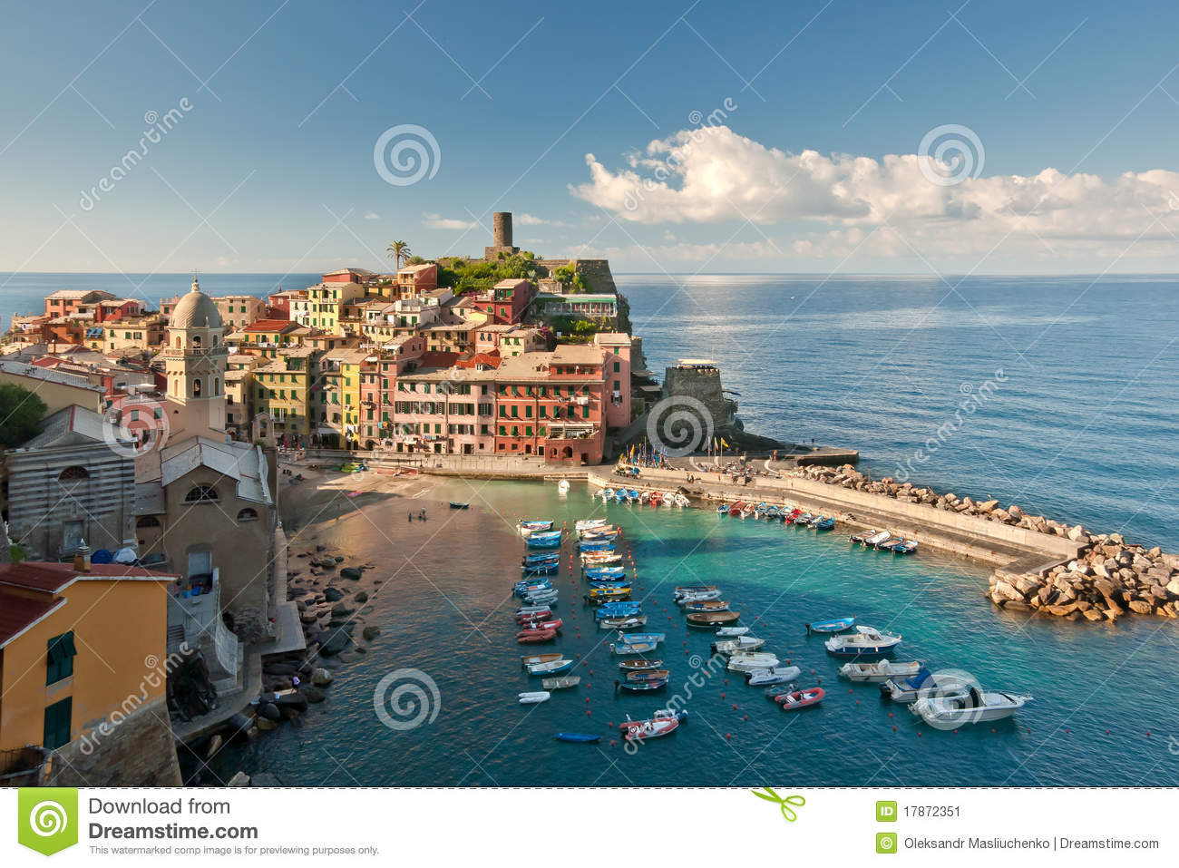 https://thumbs.dreamstime.com/z/town-sea-coast-17872351.jpg