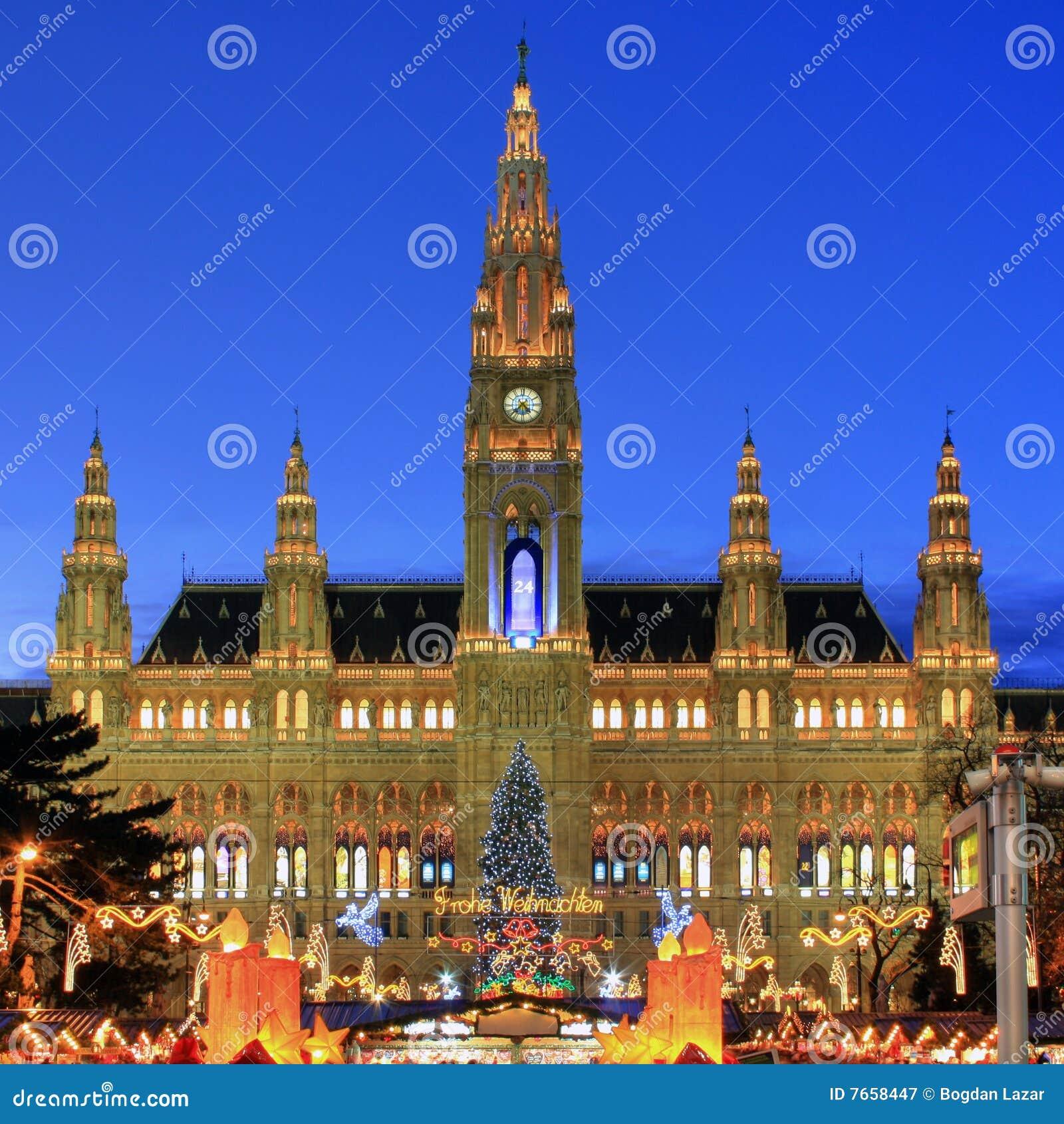 Townhall Viena com mercado do Natal, Áustria