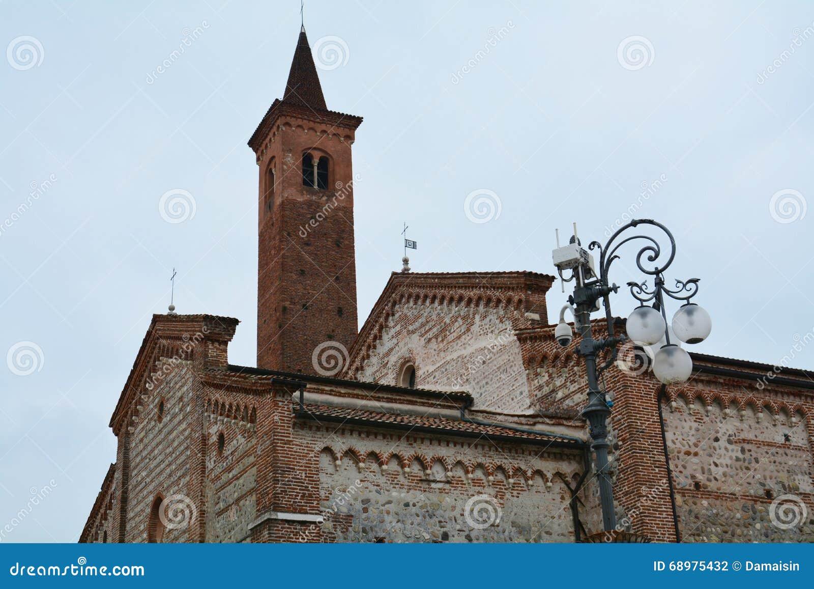 Towre e iglesia, Bassano del Grappa, Italia, Europa