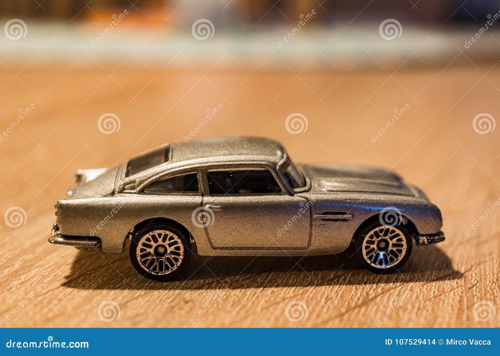 Toy Aston Martin