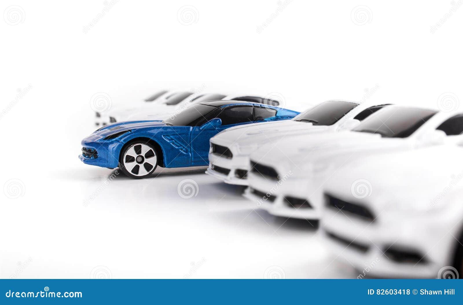 L'autre Cars Photo Out Among Standing Toy Car Plusieurs Stock oCxBrdeW
