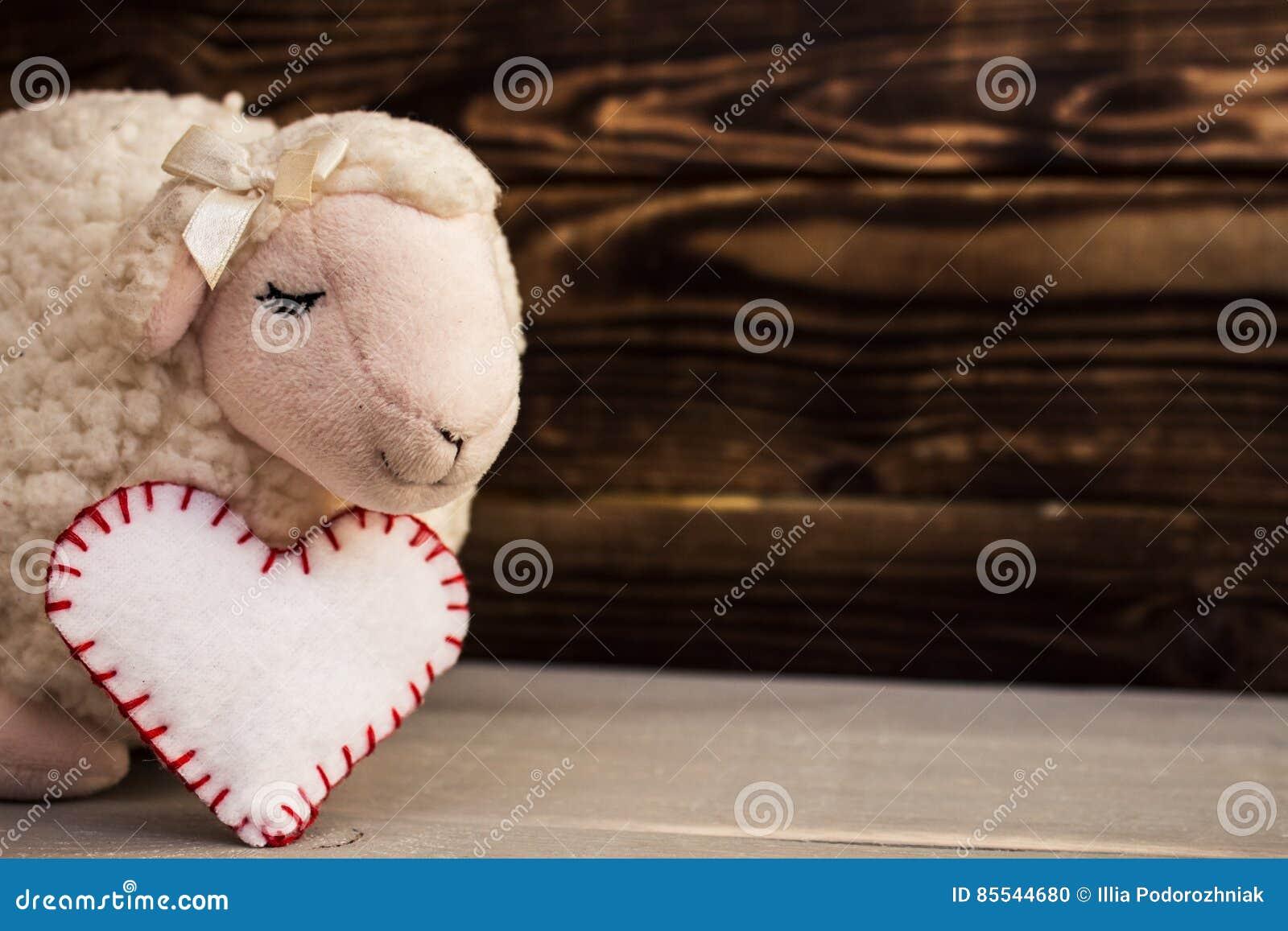 Toy lamb wood face desk