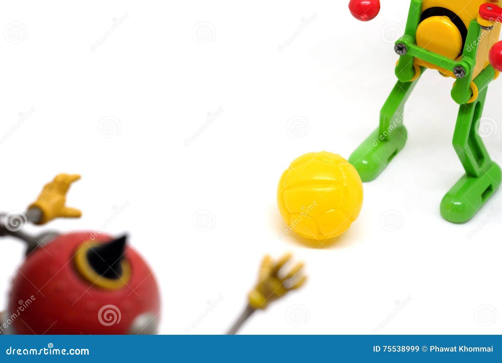 Toy Robot Are, der Fußball spielt