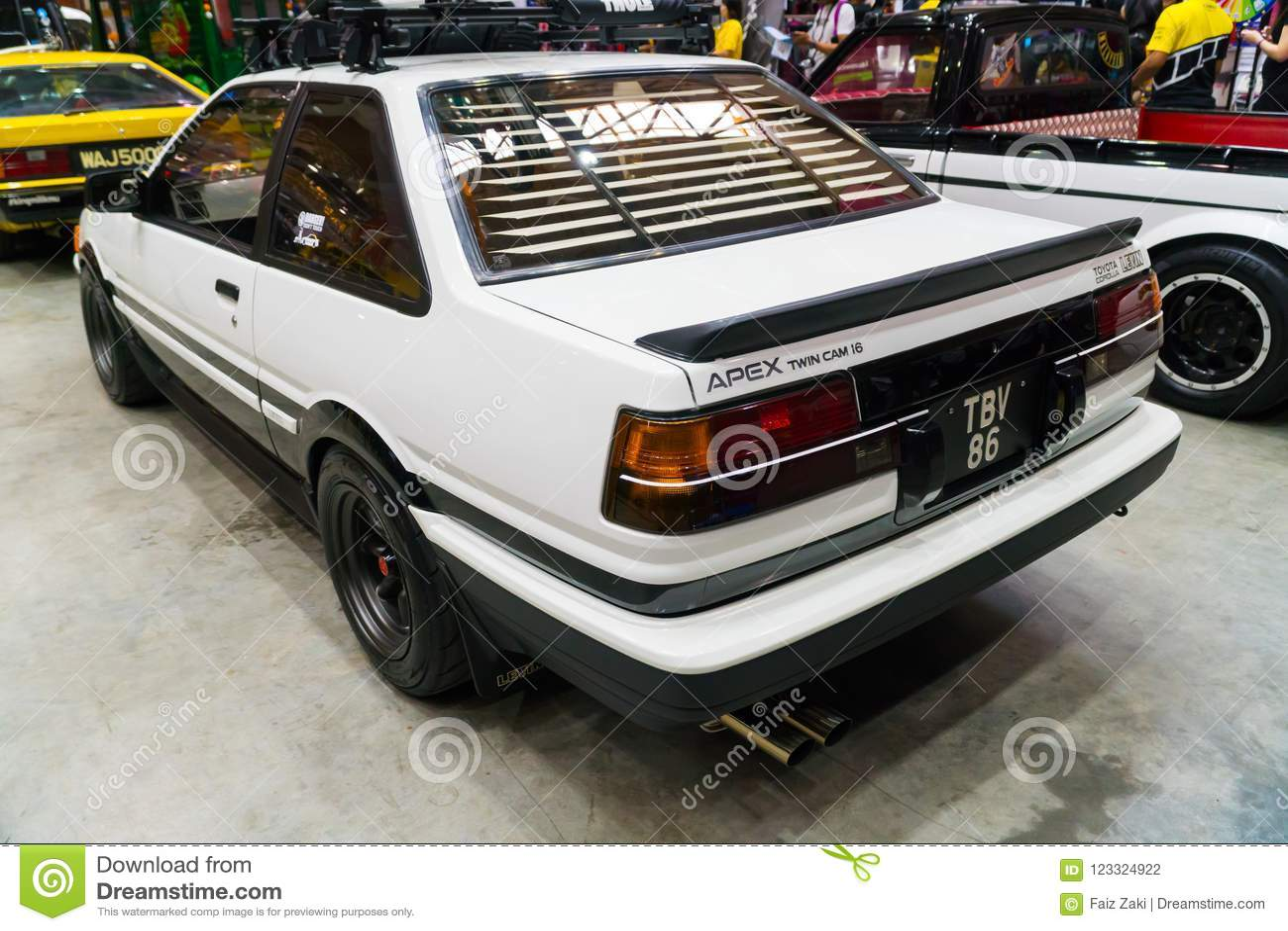 Kelebihan Levin Toyota Spesifikasi