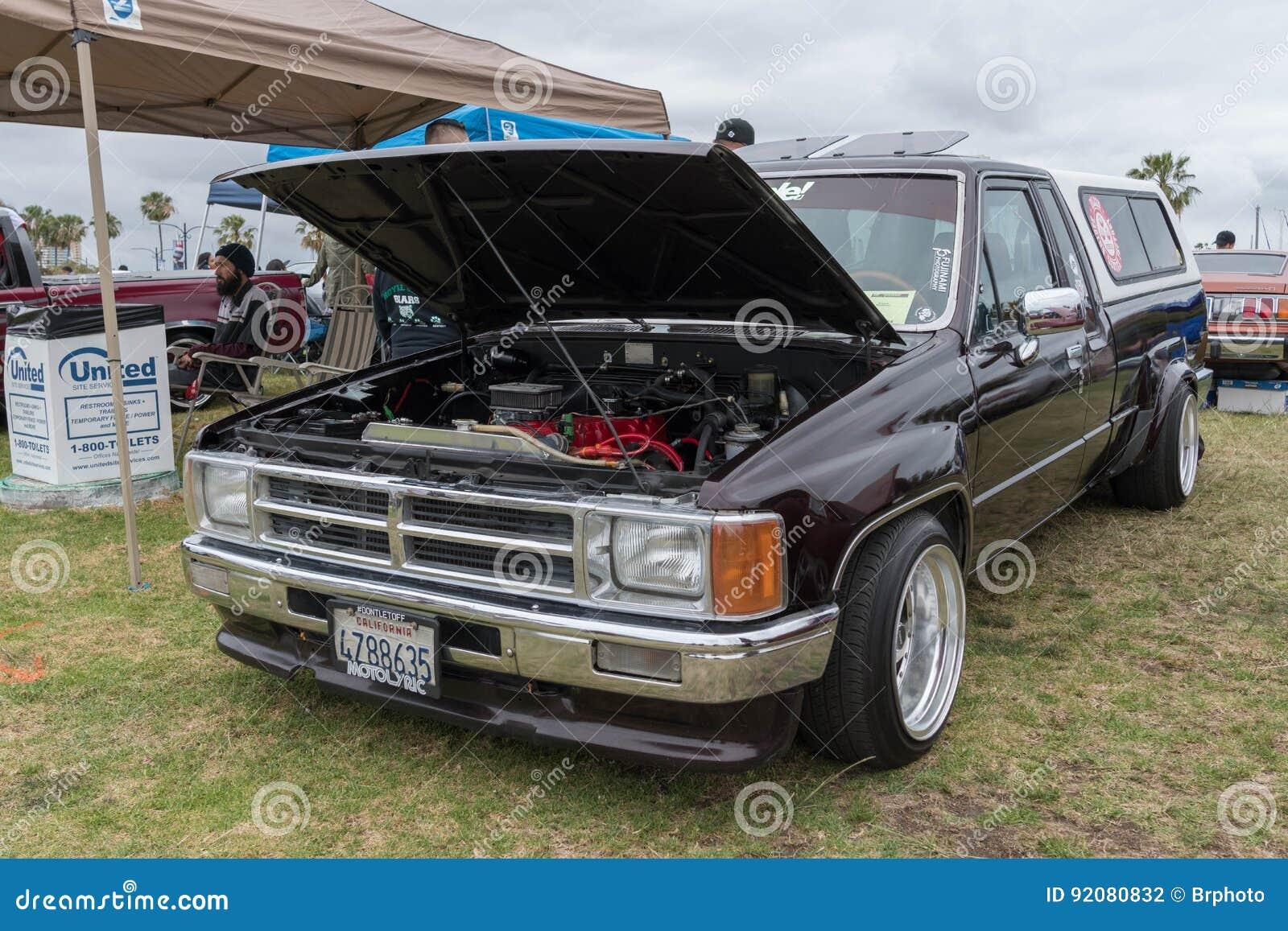 Kelebihan Toyota Hilux 1985 Perbandingan Harga