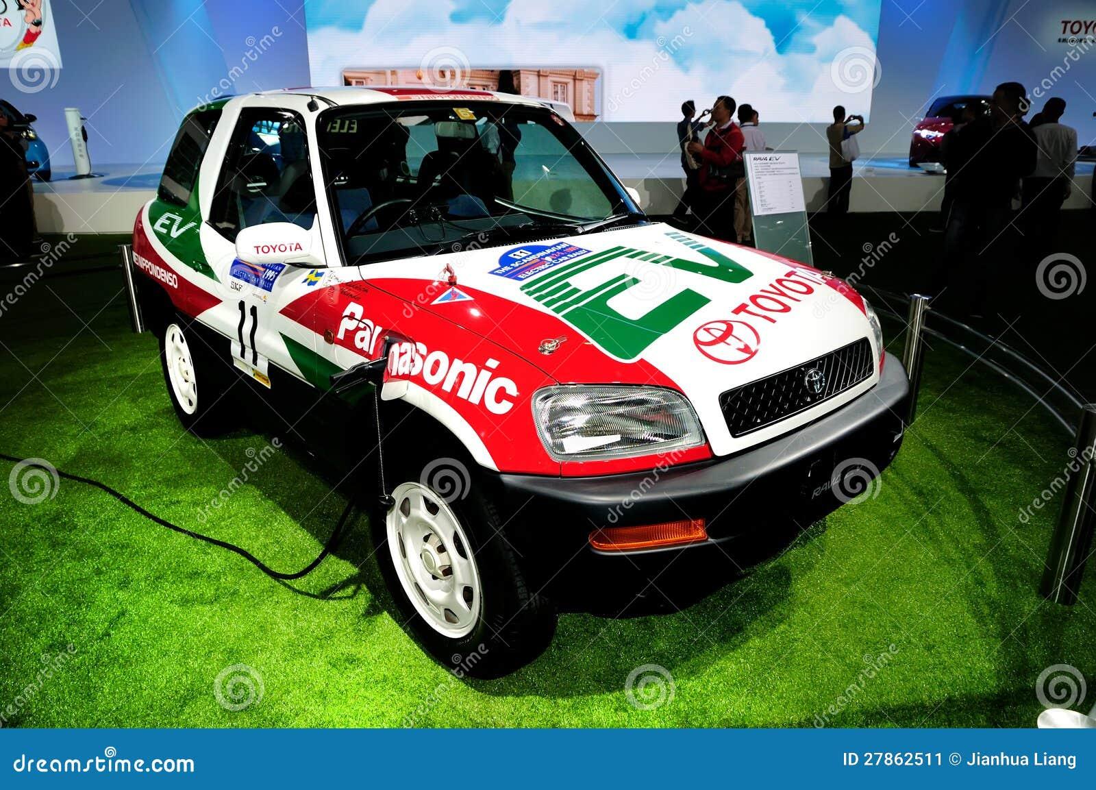 TOYOTA RAV4 EV elektryczny pojęcia samochód