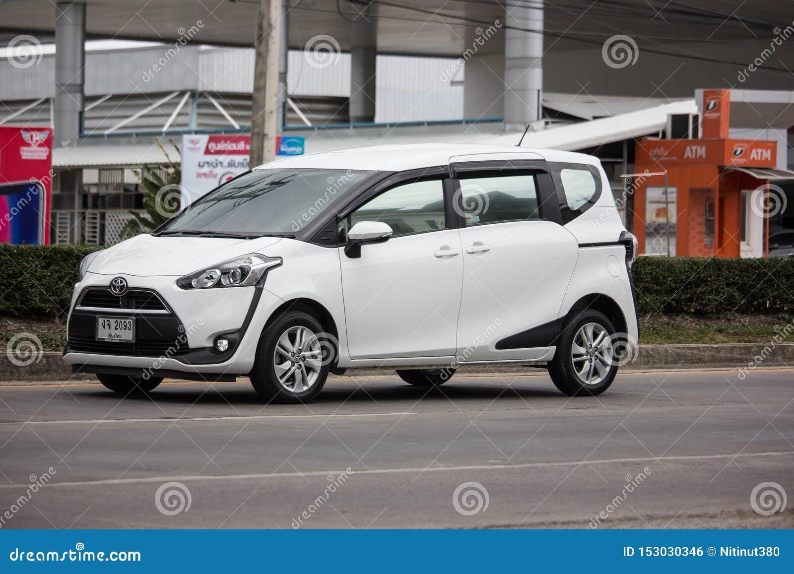 Kelebihan Kekurangan Toyota Sienta 2019 Perbandingan Harga