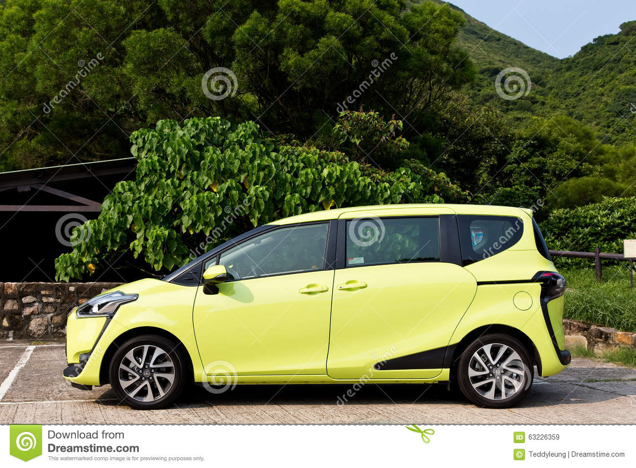 Toyota SIENTA 2015 Test Drive Day Editorial Stock Image ...