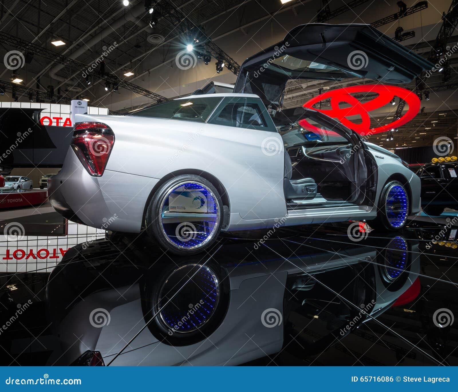 Toyota Z powrotem Przyszłościowy fuzi pojęcie