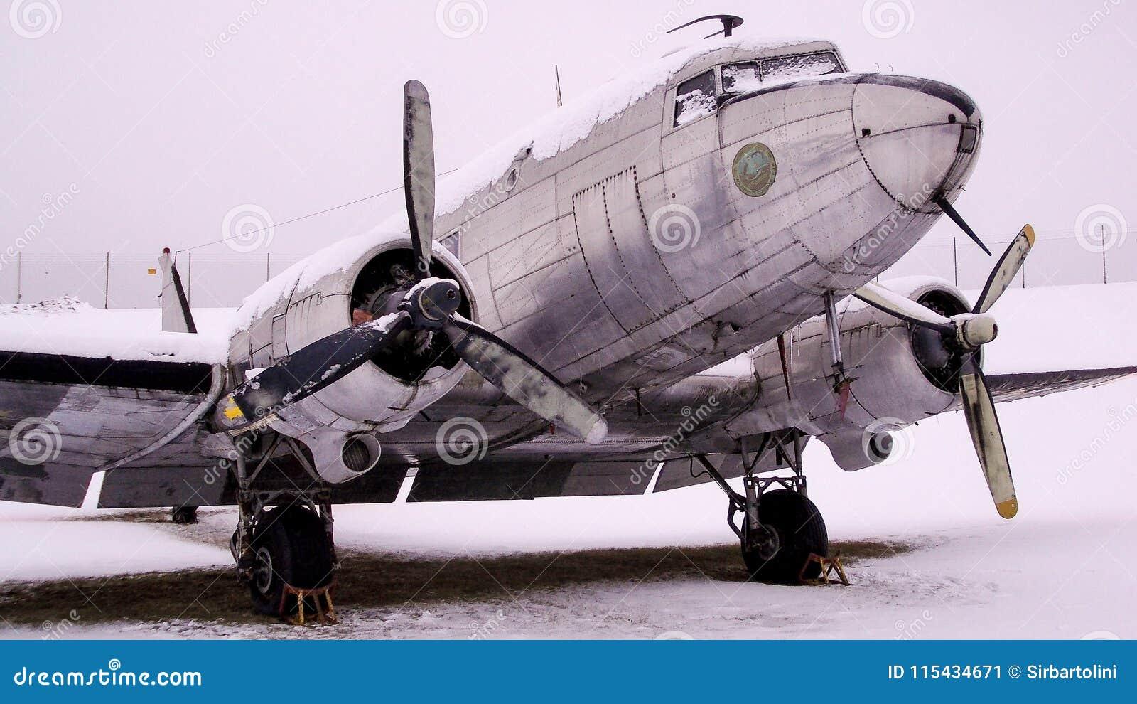 TP 79 szwedów wersja Douglas C-47 Skytrain