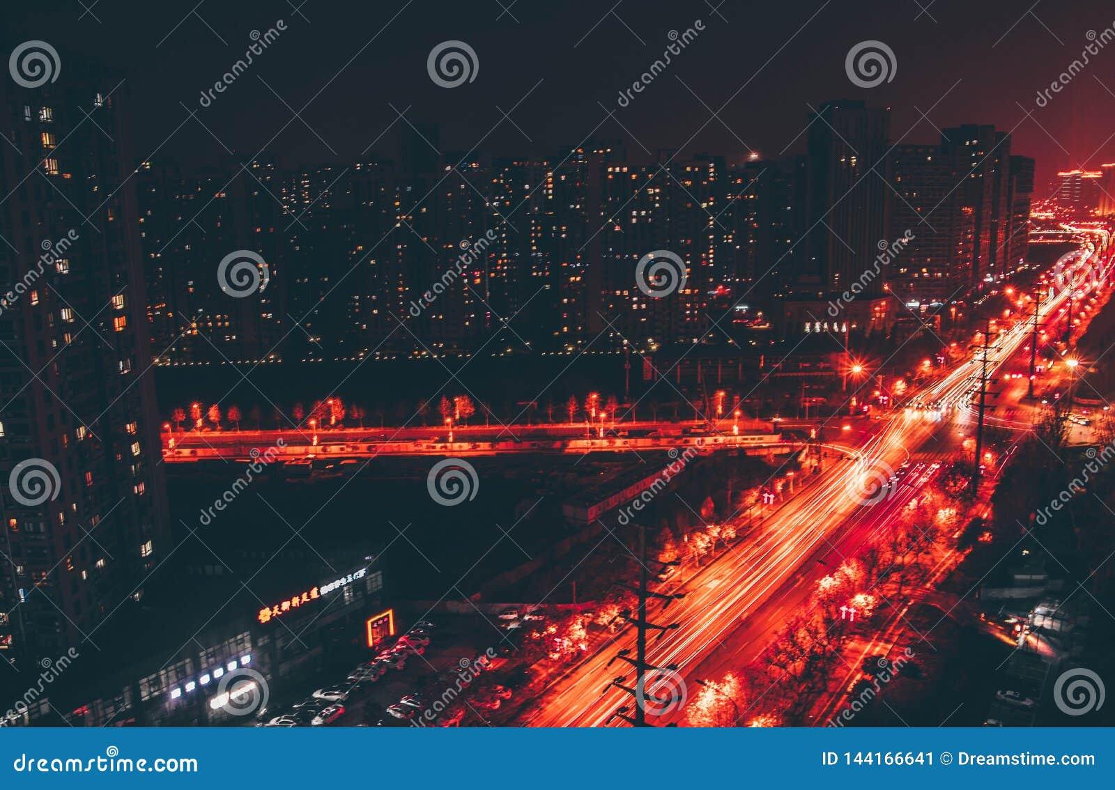 Trânsito intenso na rua