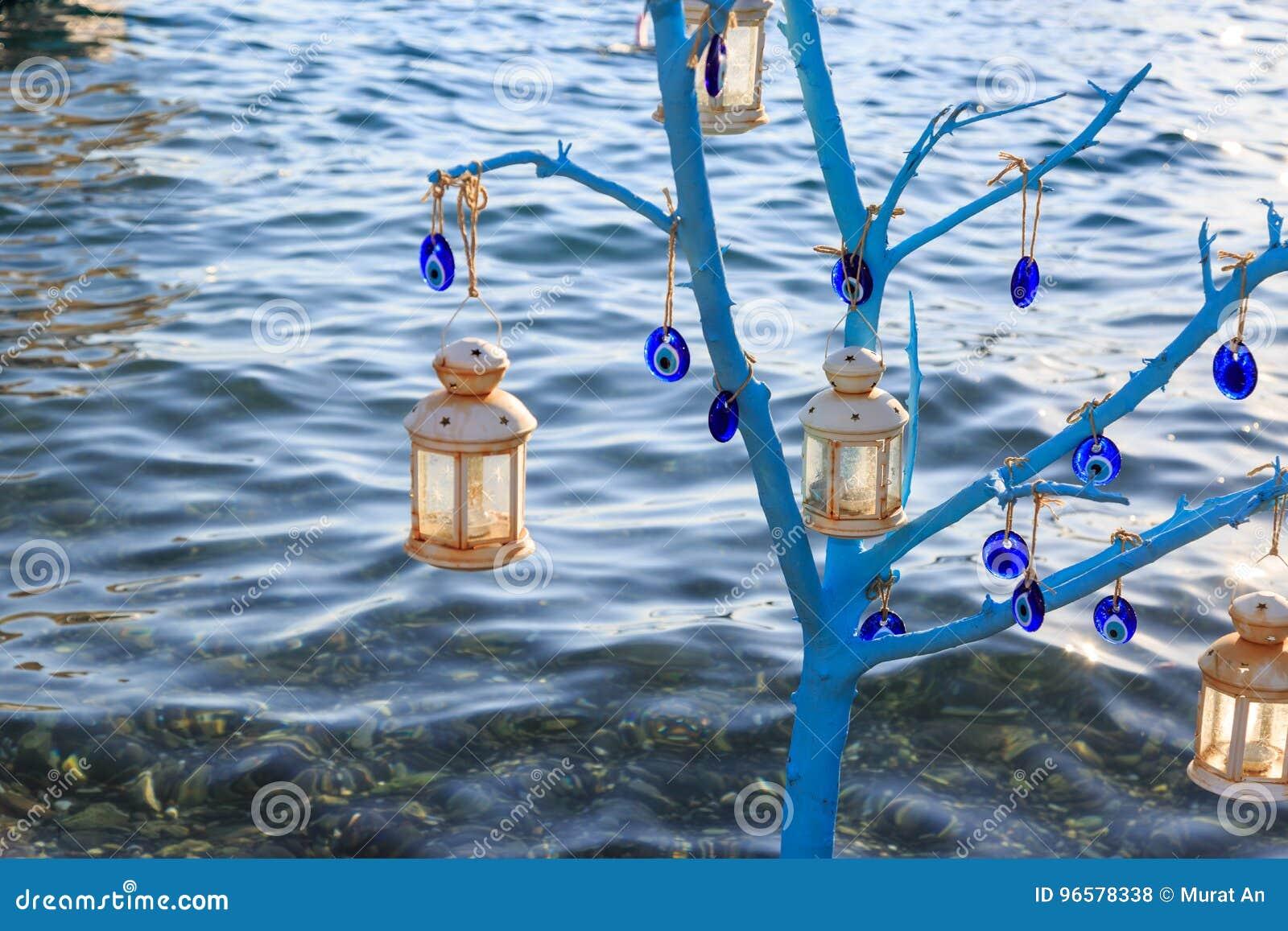 Träd för ont öga inom havet i sogut, marmaris