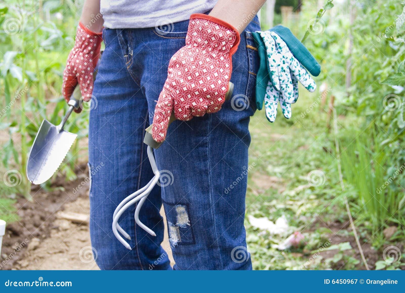 Trädgårds- flickor henne som fungerar