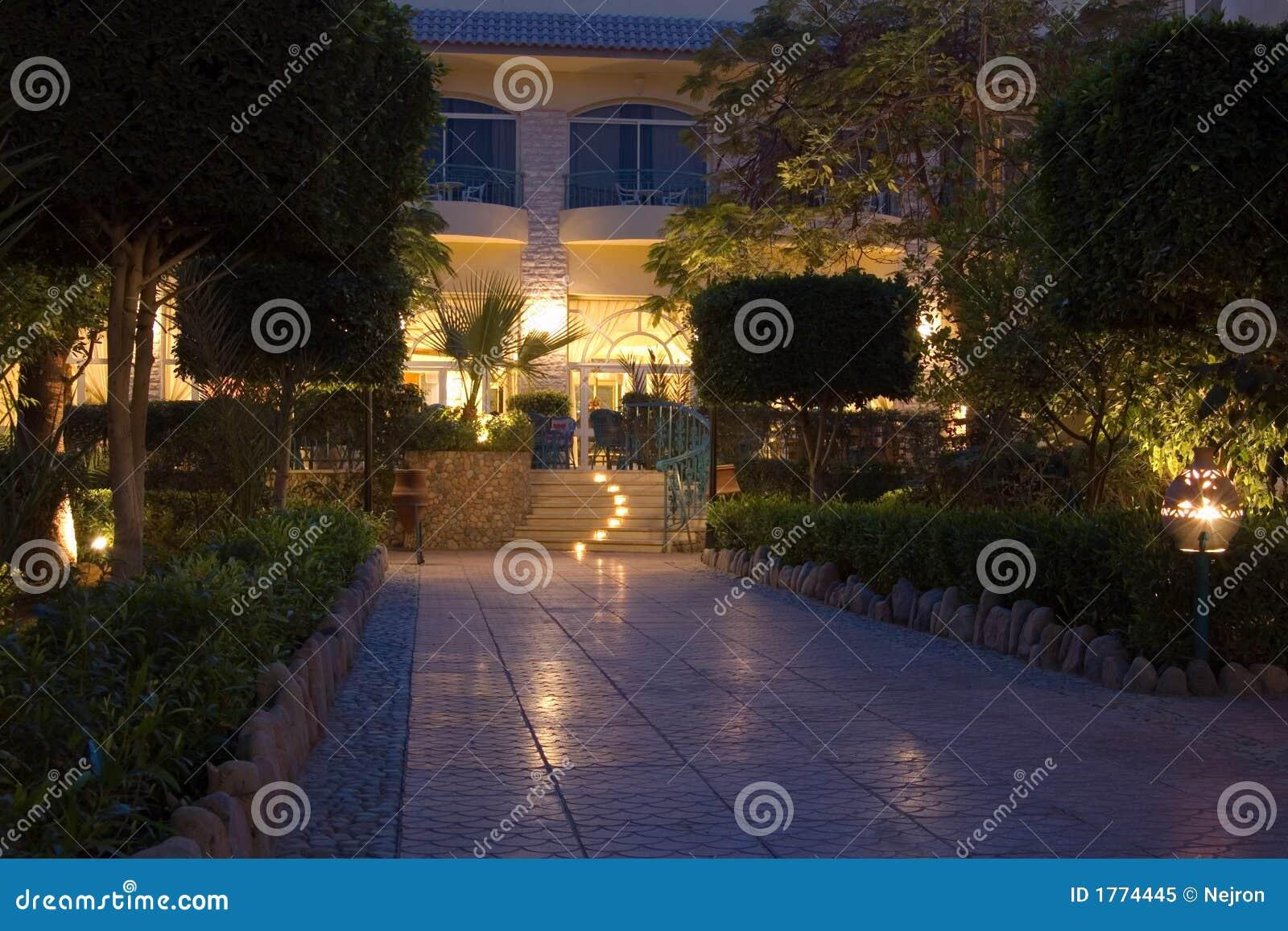 Trädgårds- hotell