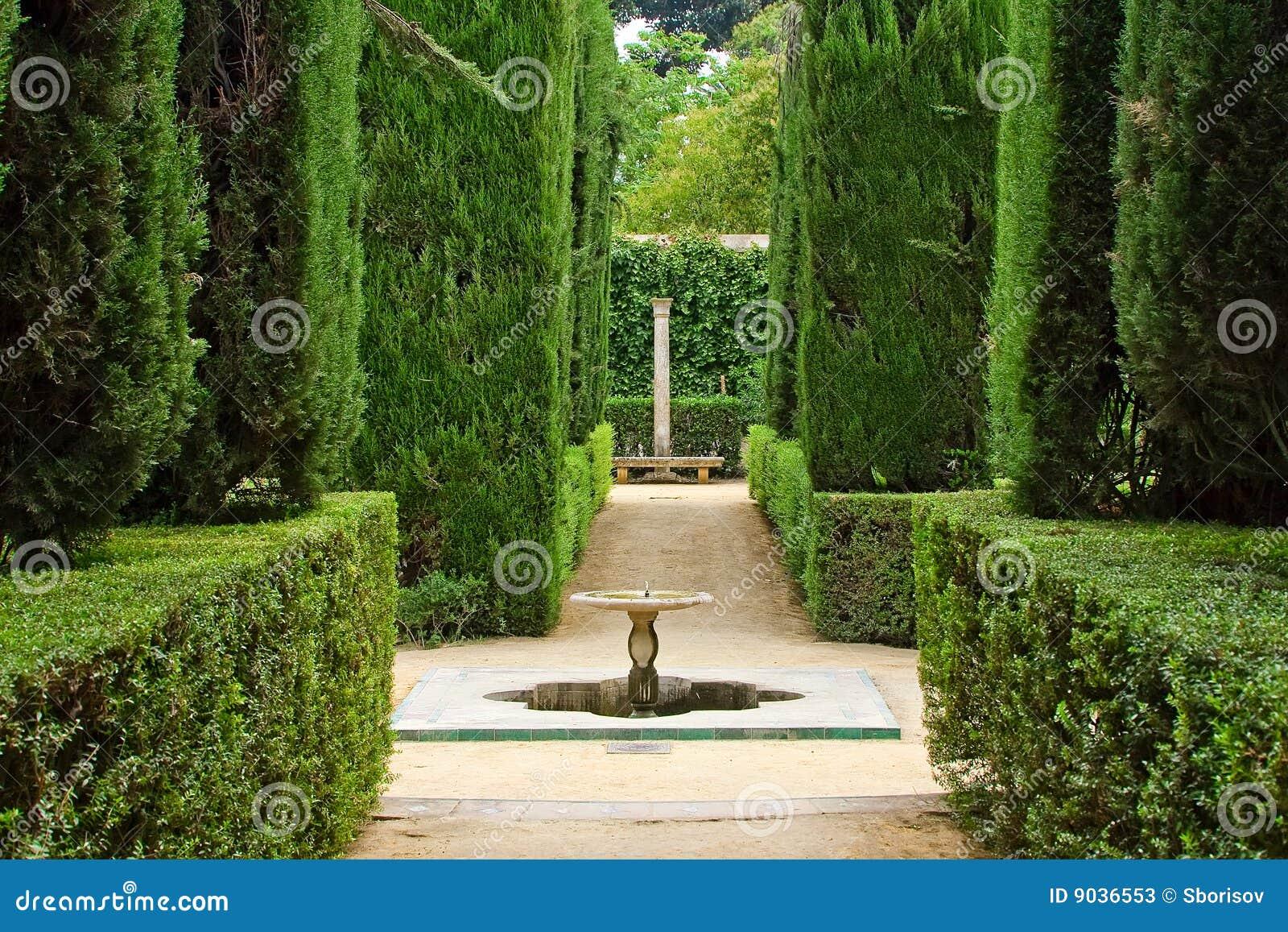 Trädgårds- slottpoets för alcazar