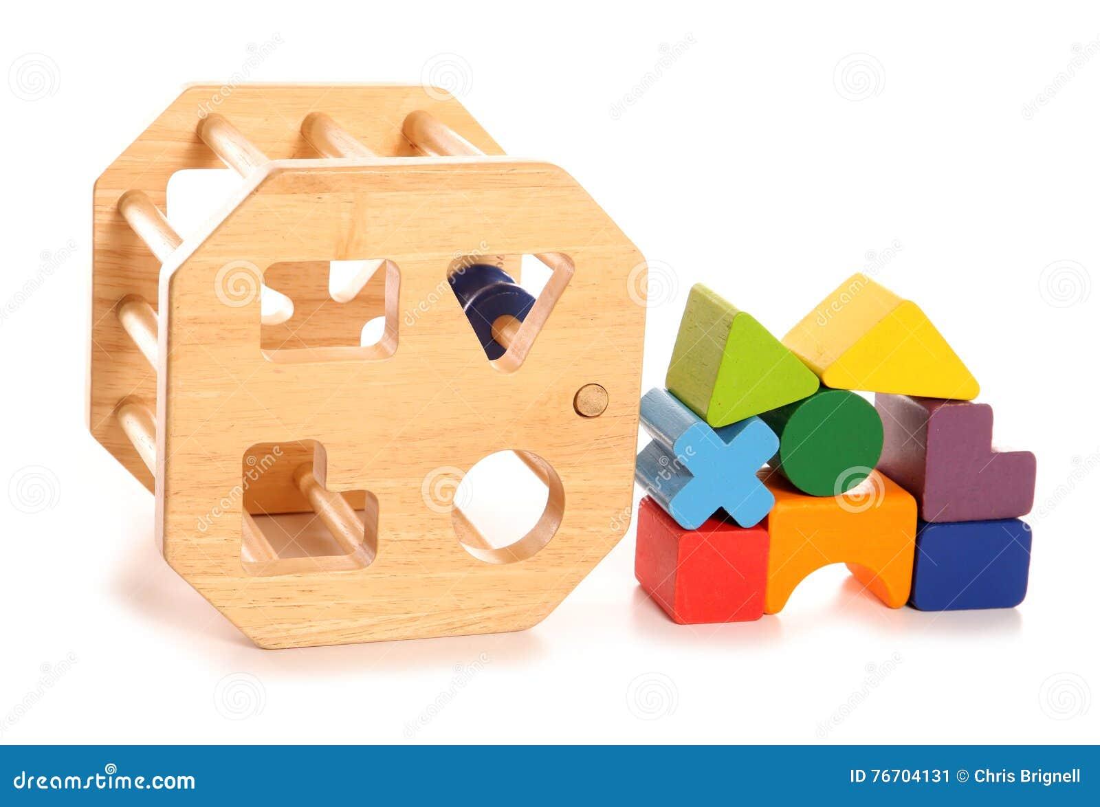 Träleksak för childsformsorterare