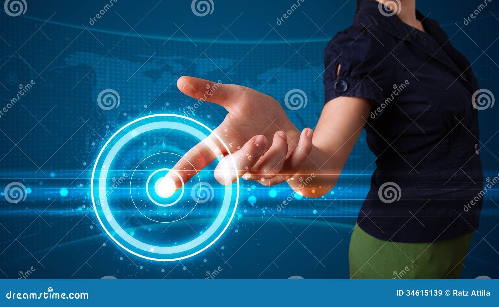 Trängande tekniskt avancerad typ för kvinna av moderna knappar