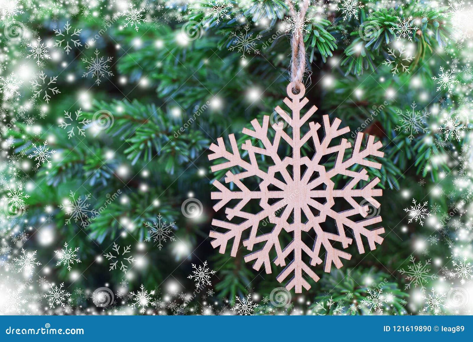 Träsnöflinga på julträd