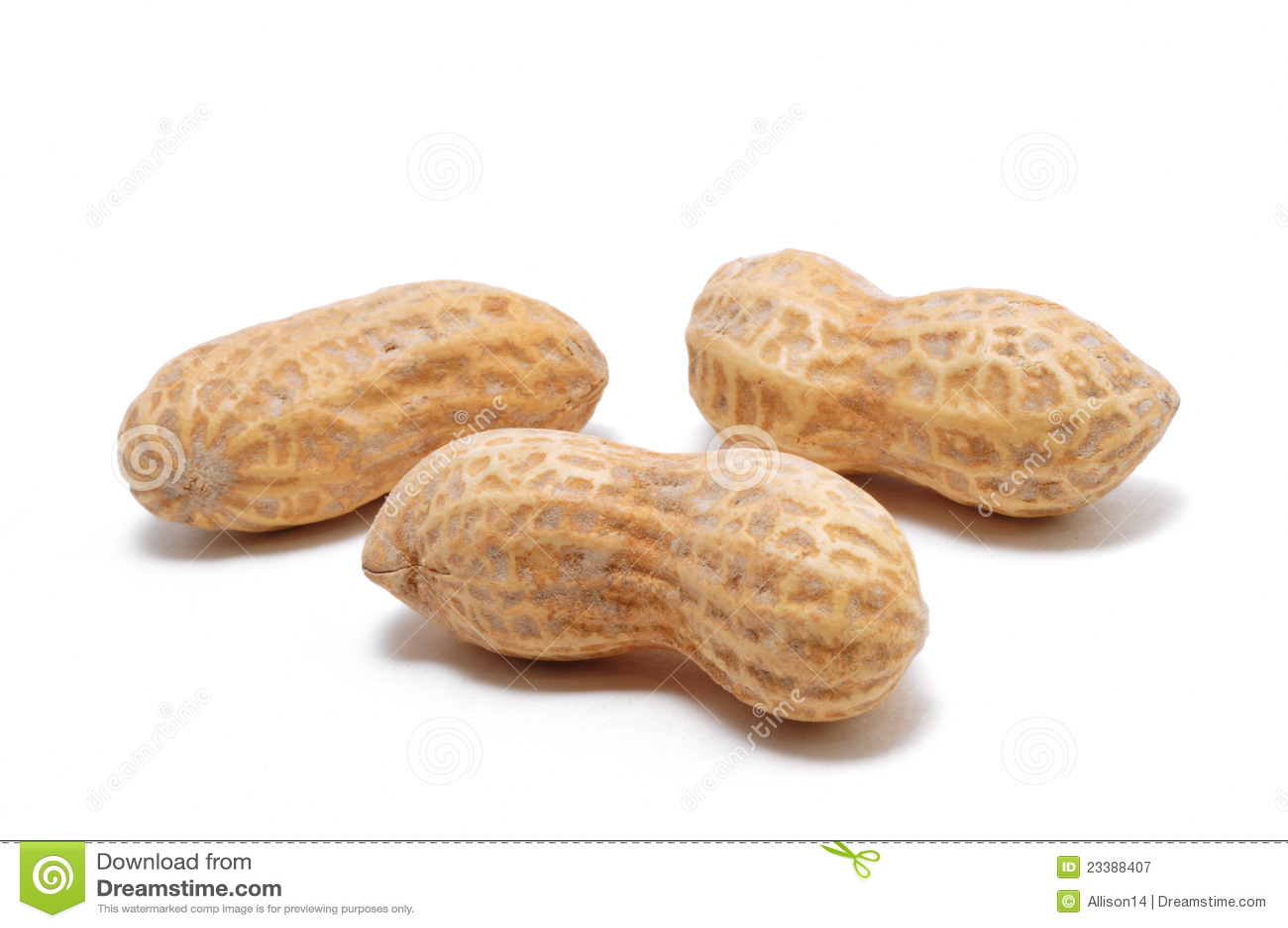 Três amendoins