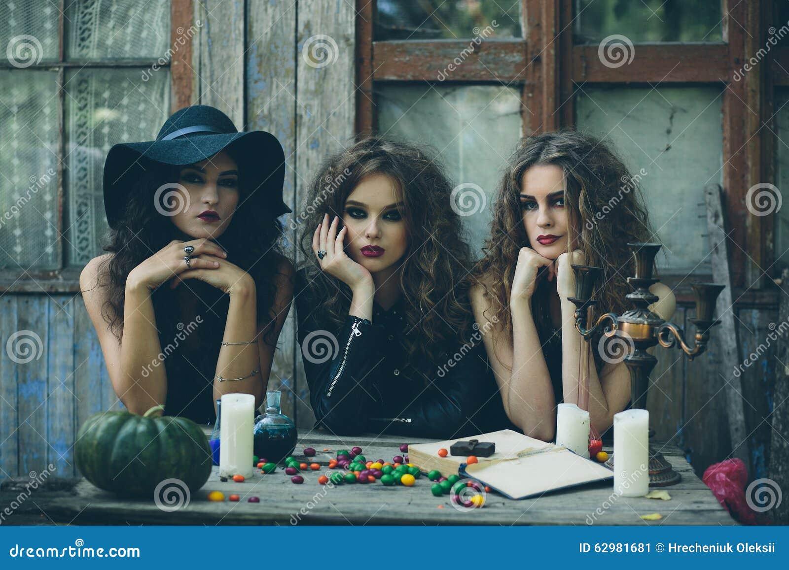 Três bruxas na tabela