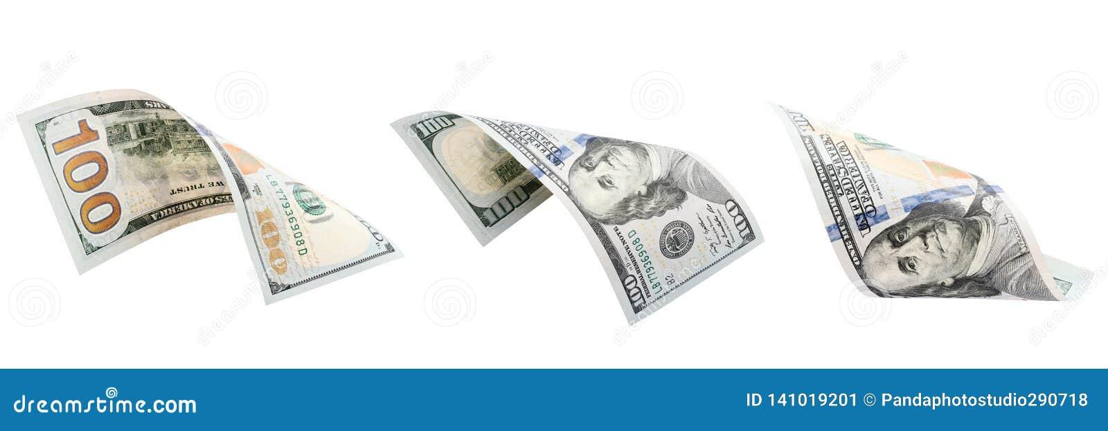 Três cem dólares isolados no fundo branco Novo cem dólares