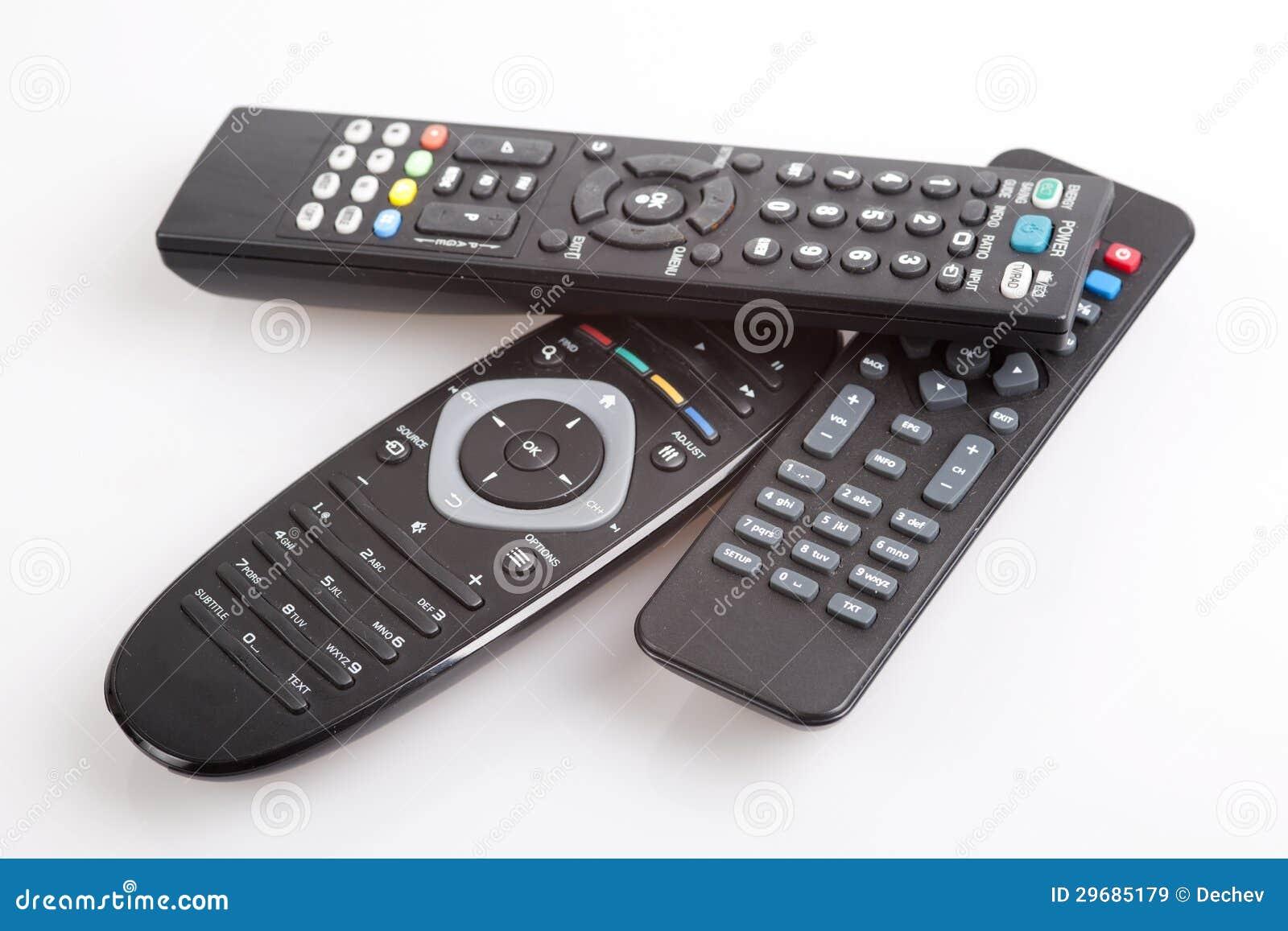 Três dispositivos de controle remoto