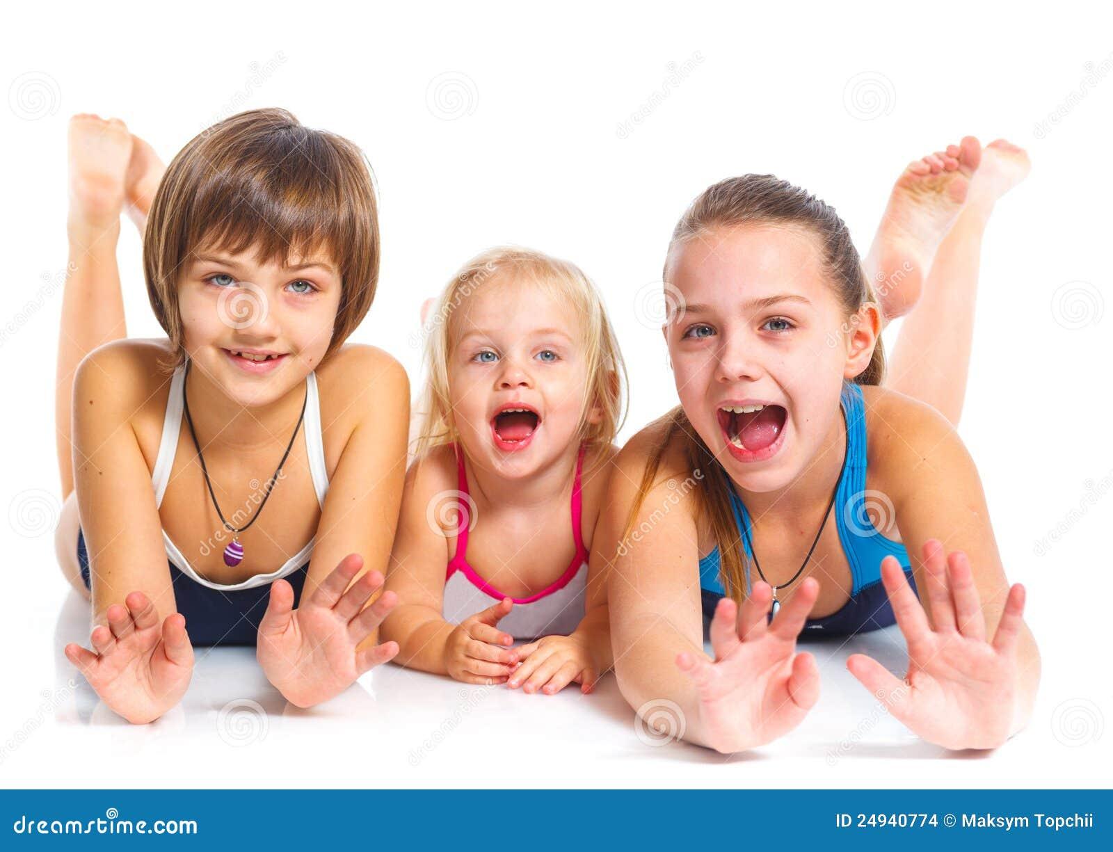 Três meninas bonitas novas