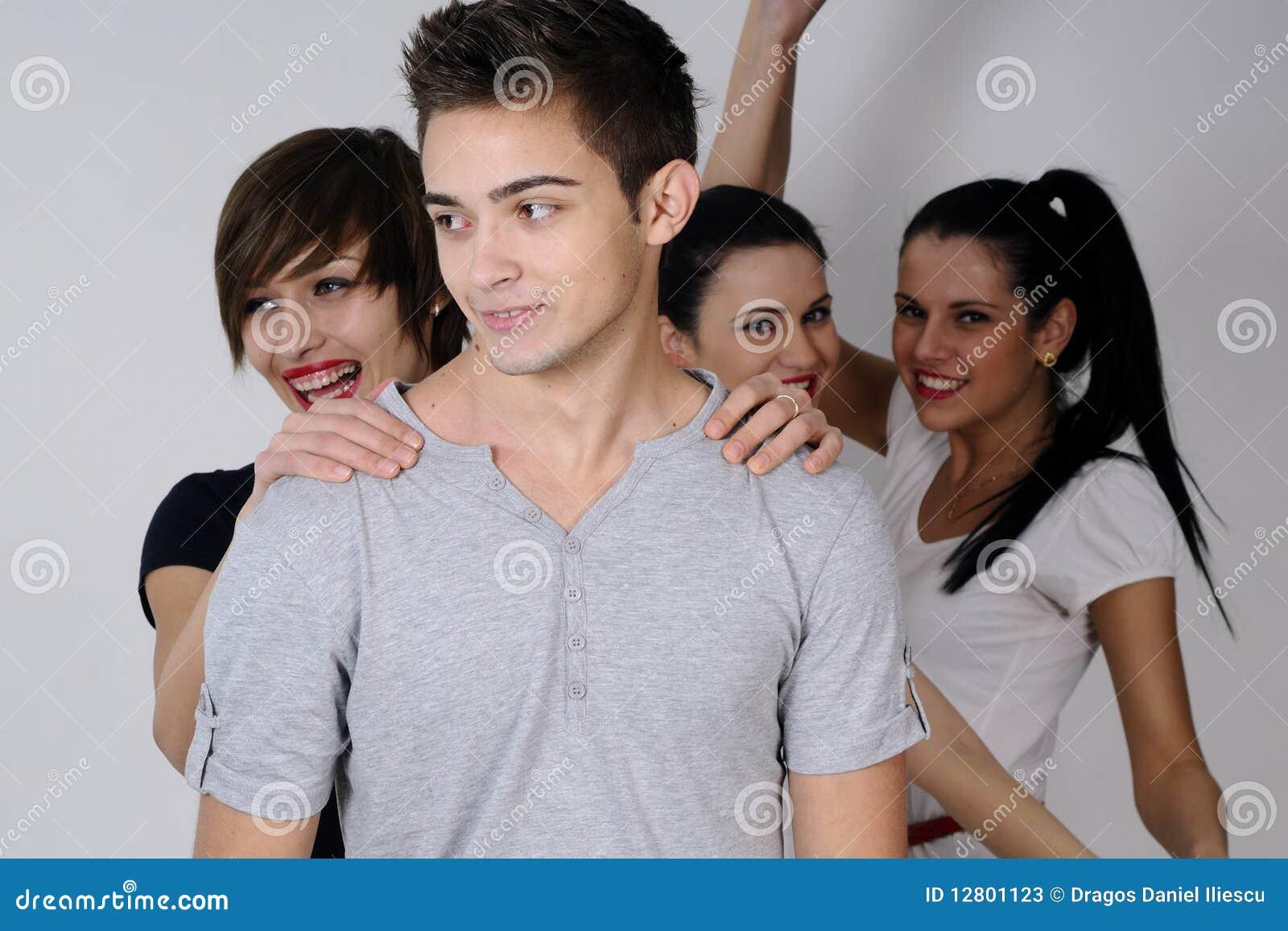 Três meninas e um menino