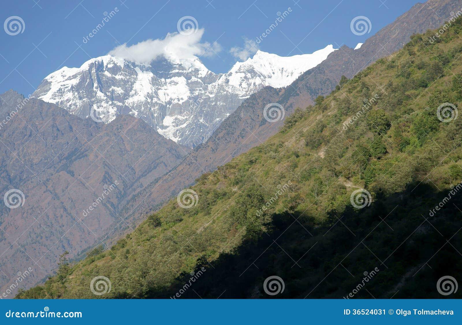 Traînée dans les montagnes, Himalaya