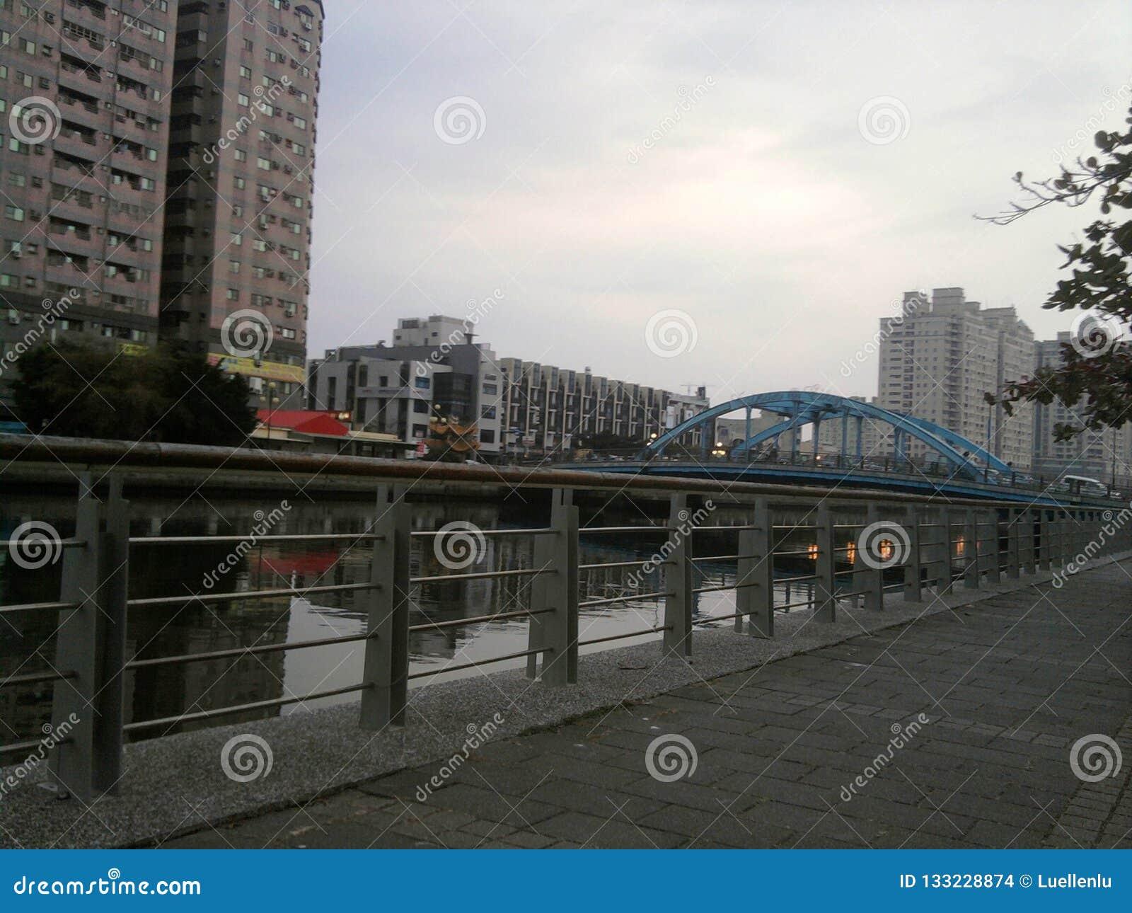 Traînée de ceinture verte de canal de Tainan