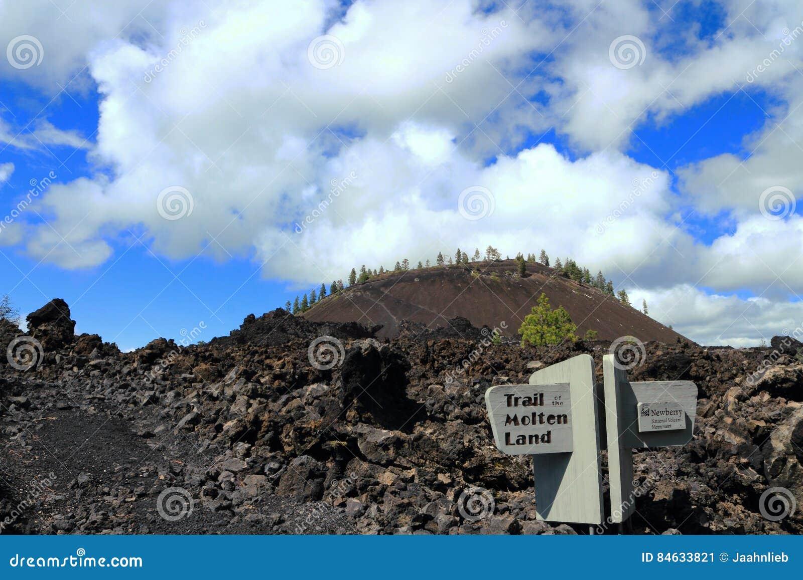 Traînée de la terre fondue, monument volcanique national de Newberry, Orégon