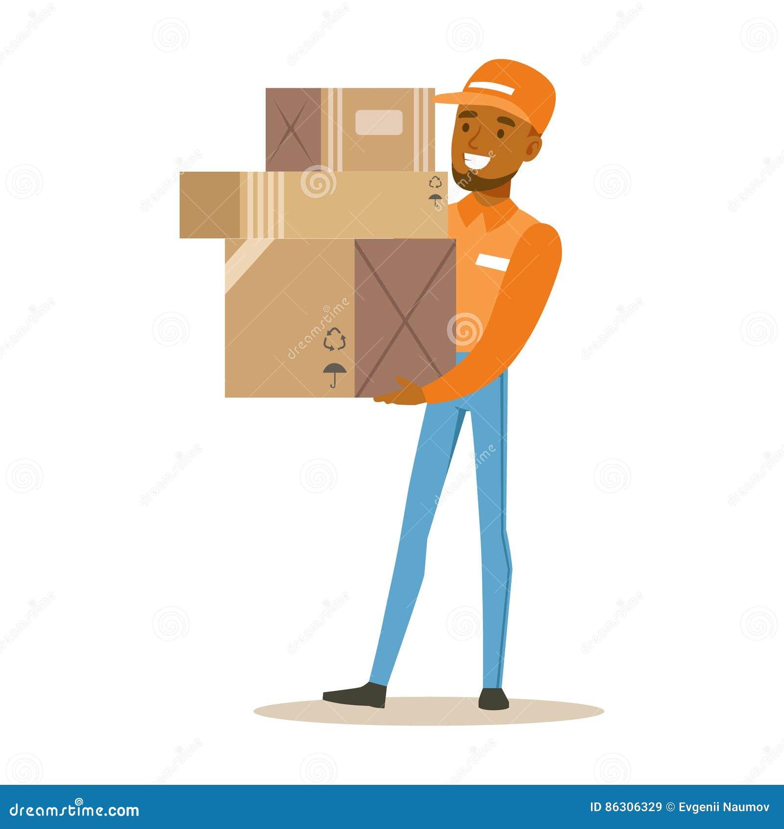 Trabajador del servicio de entrega en el casquillo anaranjado que sostiene la pila de cajas, mensajero sonriente Delivering Packa