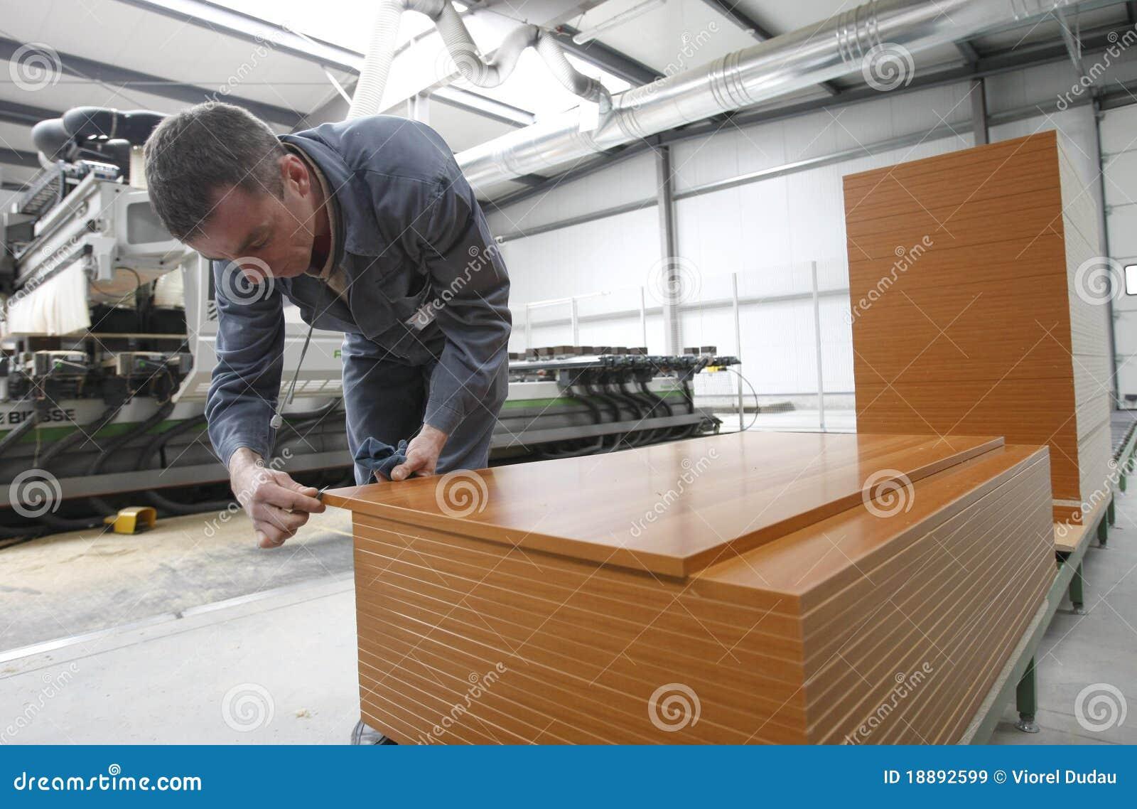 Trabajador En F Brica De Los Muebles Imagen De Archivo Editorial  # Muebles El Obrero
