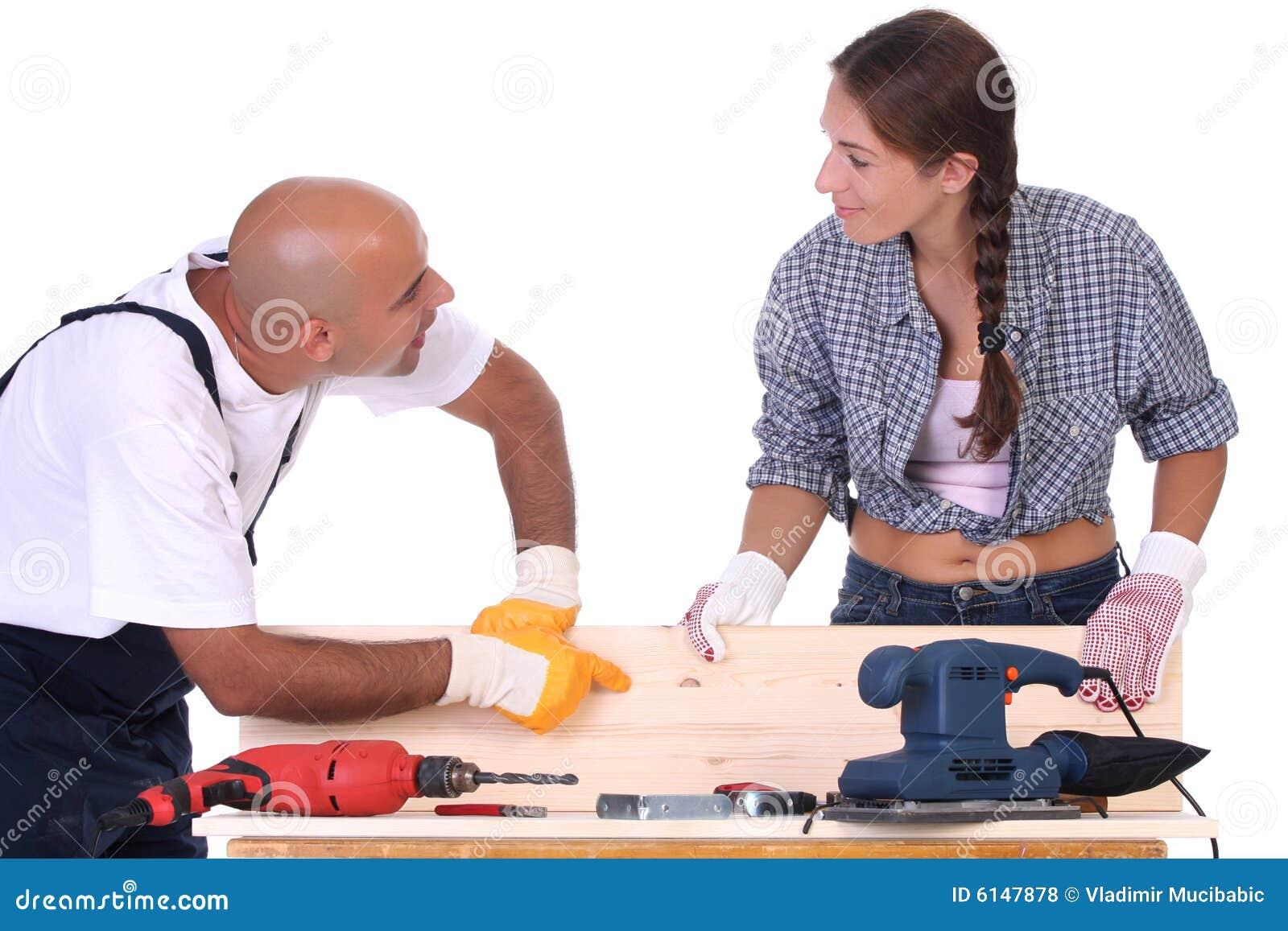 Trabajadores de construcción en el trabajo