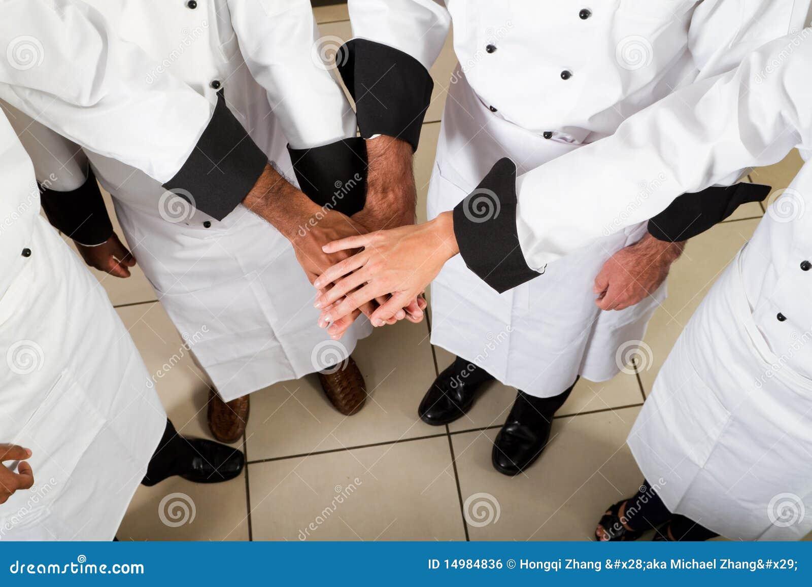 Trabajo en equipo del cocinero imagen de archivo libre de for Trabajo cocina asturias