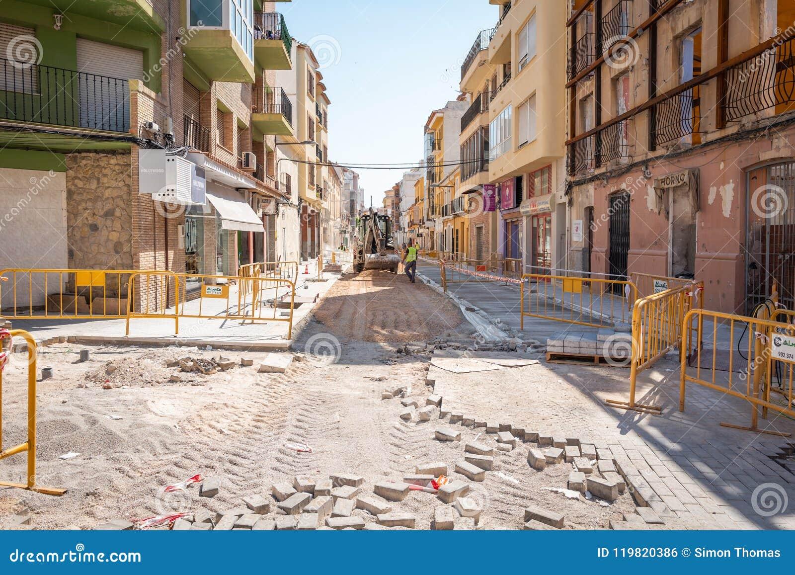 Pavimento Que Es : Trabajos del pavimento foto editorial. imagen de españa 119820386