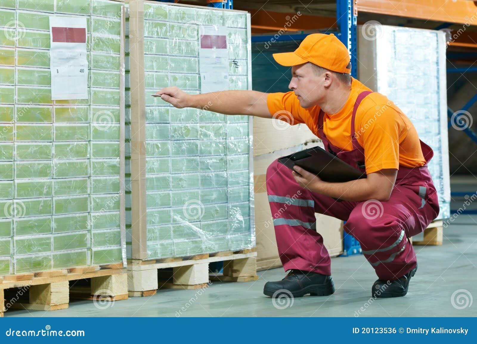 Trabalhador no armazém