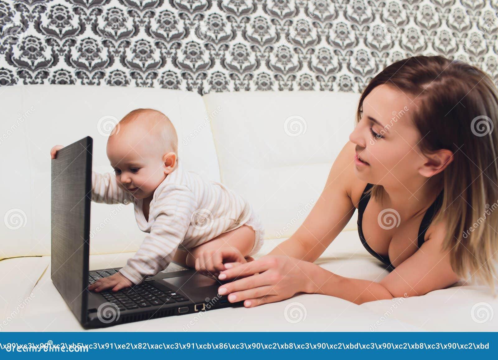 Trabalhos do freelancer da mamã a criança interfere problemas freelancing