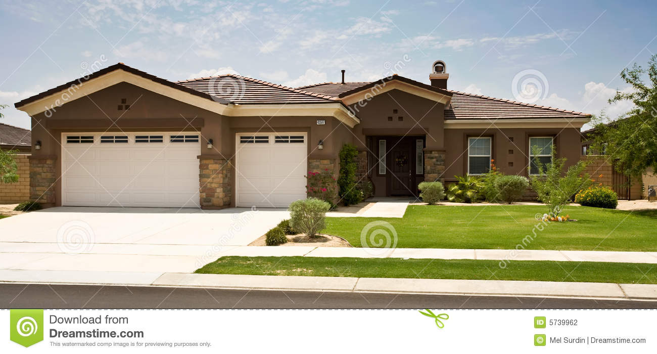 Tract home modern southern california stock photography for Tract home builders